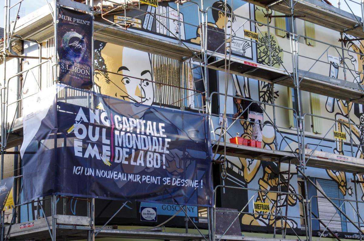 """Réalisation mur peint """"Le monde de Goscinny"""" [TIMELAPSE]"""