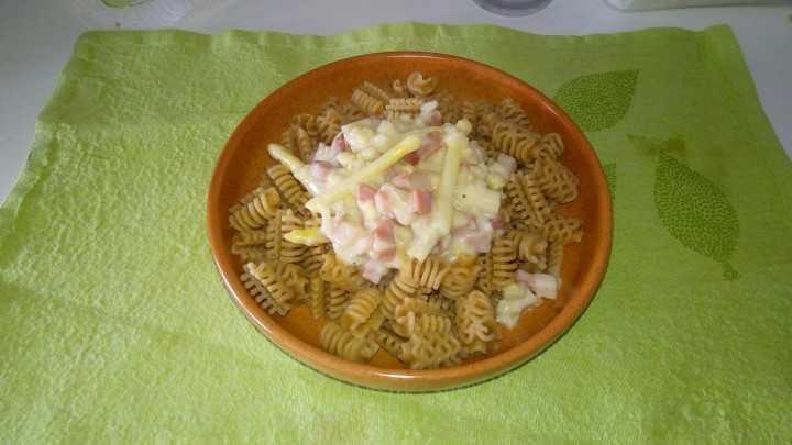 Pasta agli asparagi e speck