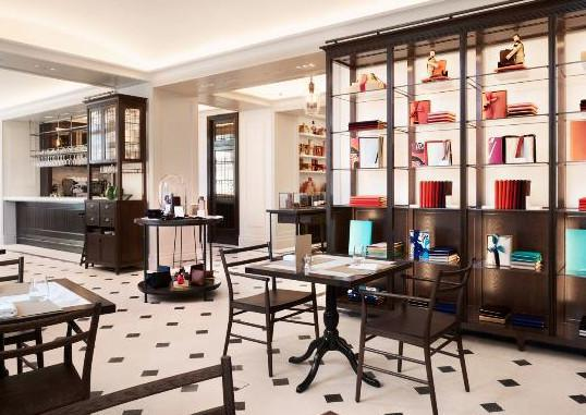 Thomas's at Burberry Regent Street - Le café signé / The coffee signed ... BURBERRY