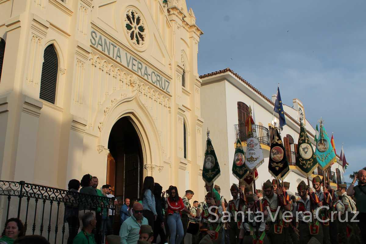 2 de mayo. Ya está el Romero en la calle, ya viene Cristo bajando.