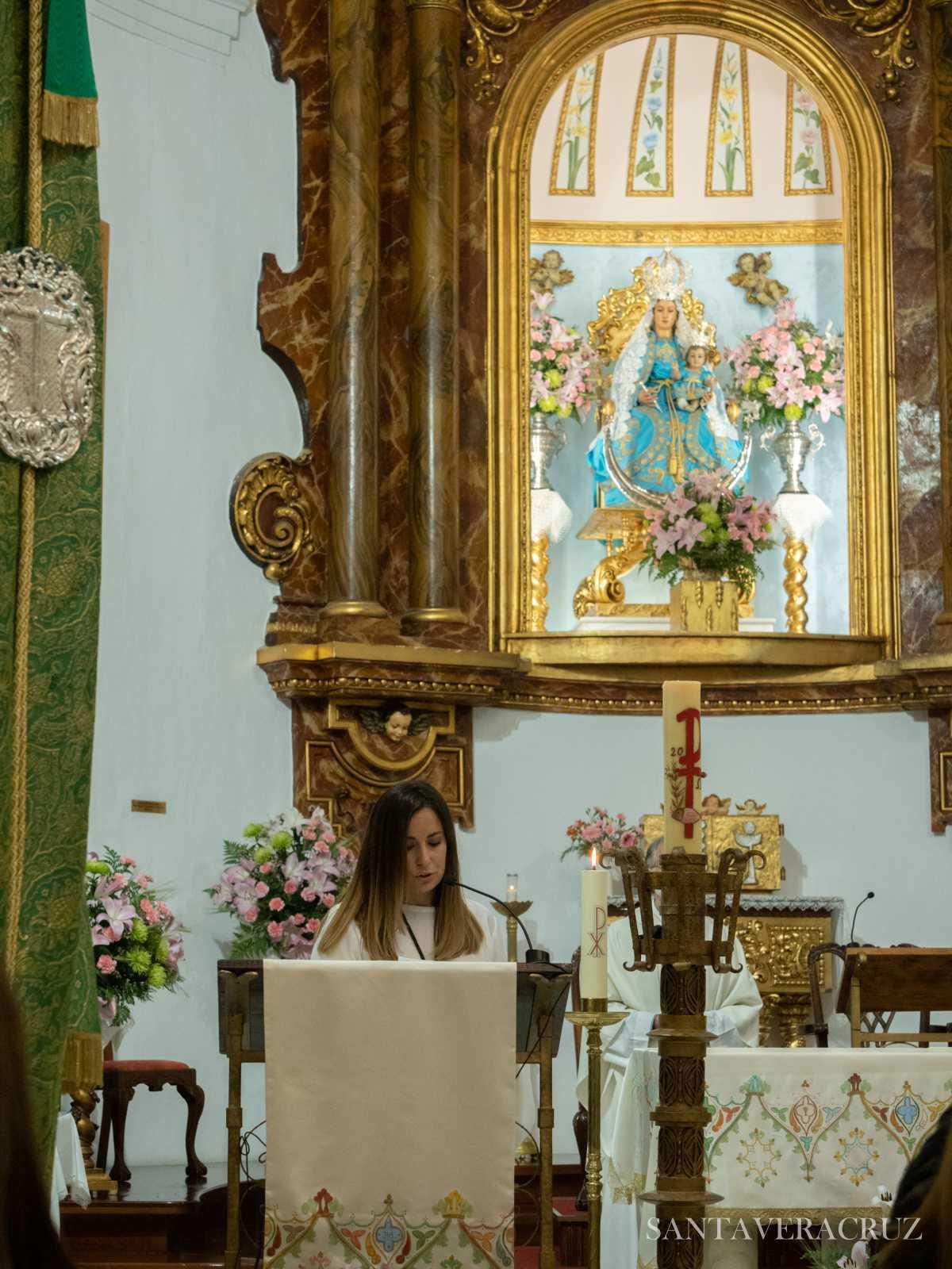 """Triduo en honor del Santísimo. Cristo de la Vera+Cruz: """"Yo he venido al mundo como luz""""."""