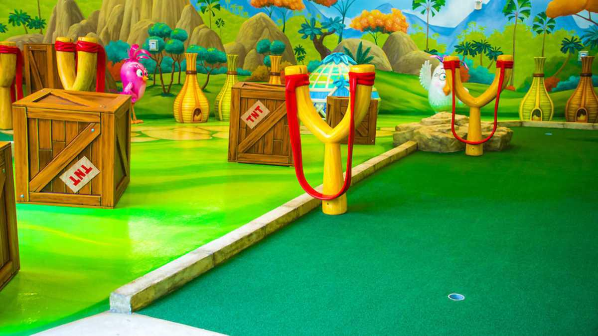 Angy Birds Mini Golf
