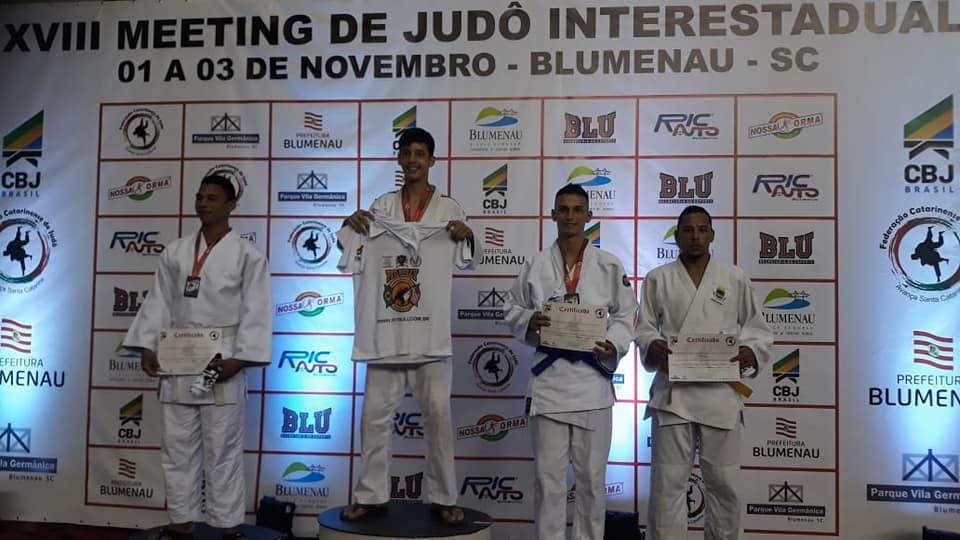 Judoca cotiano conquista medalha de bronze no 'Meeting Interestadual Interclubes'