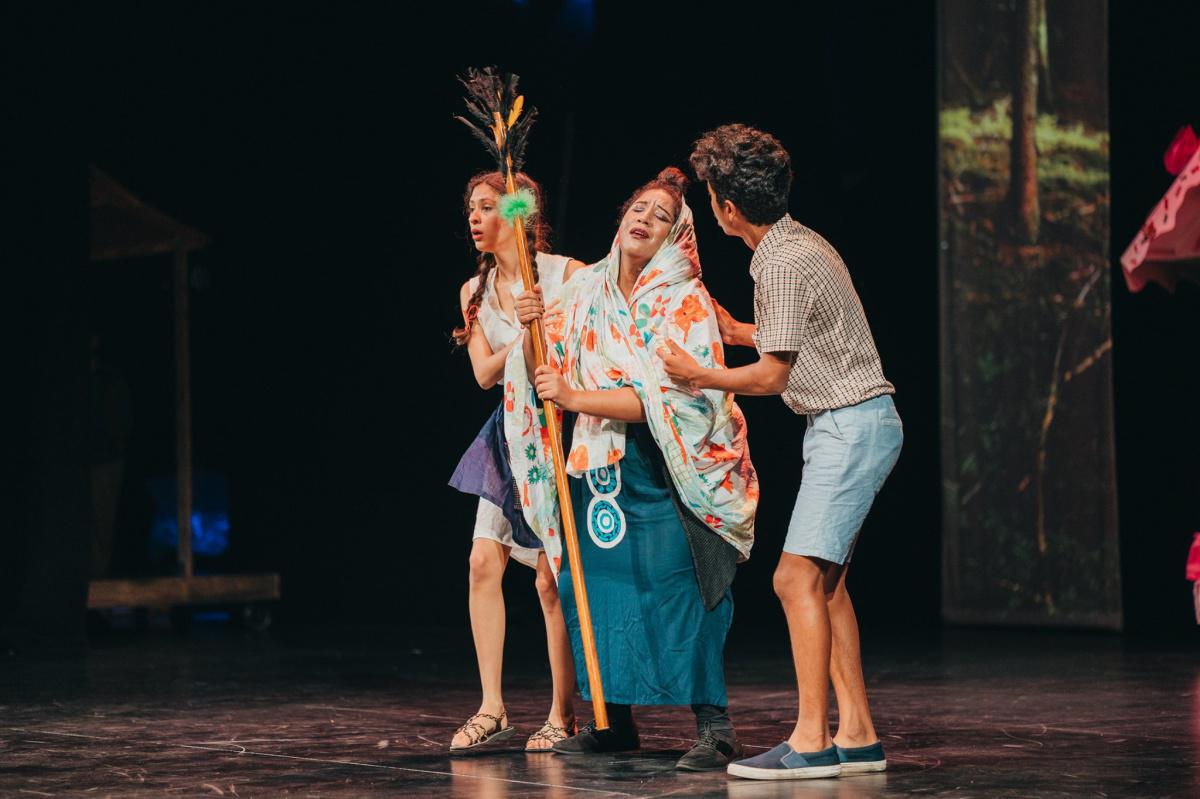 Hansel & Gretel: A classic revisited fairy-tale with a Mauritian touch