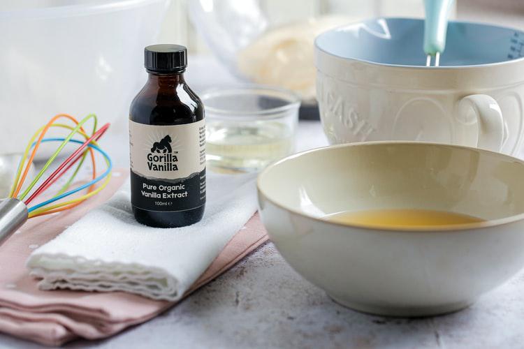 Confinement Recipe #10: Easy 4-ingredients vanilla sponge cake😍🍰