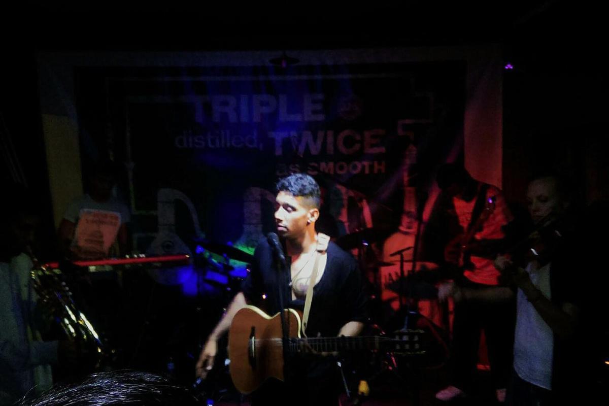 Mauritian Singer in Concert