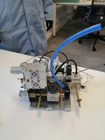 Des métallos FO fabriquent des respirateurs