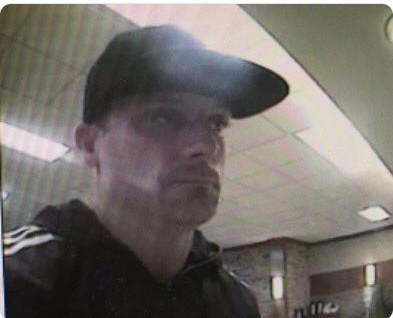 Boulder police investigate bank robbery