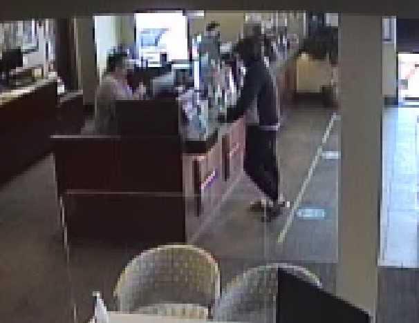 Boulder Police Investigate Morning Bank Robbery