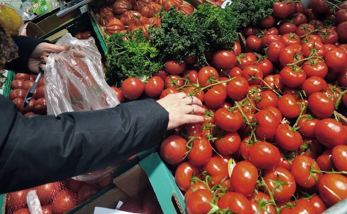 En Espagne, Carrefour veut en finir avec le plastique au rayon fruits et légumes