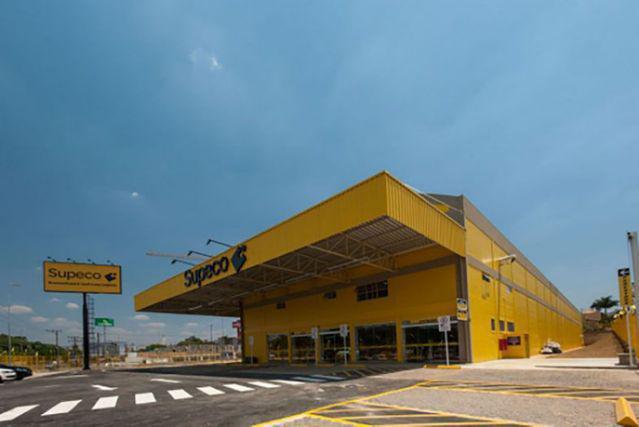 Carrefour va lancer Supeco en France, une nouvelle enseigne à prix réduits