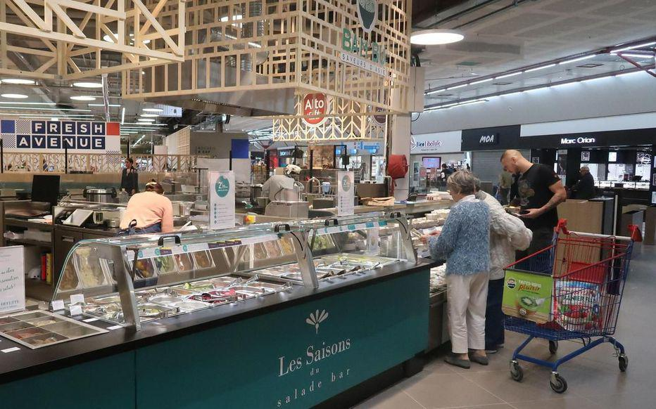 Yvelines : l'hypermarché Carrefour dernière génération aux petits soins pour ses clients