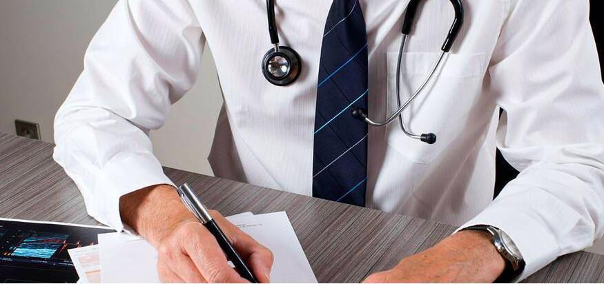 Coronavirus : le médecin du travail peut fournir un arrêt maladie, pas de test