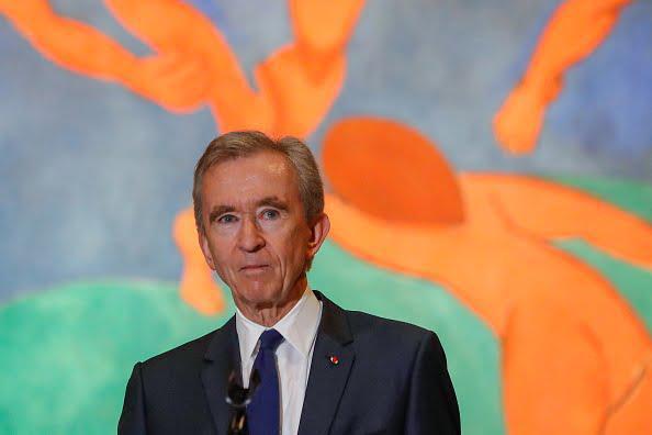 Comment Bernard Arnault, le patron de LVMH, s'est enrichi de près de 100 milliards de dollars en un an