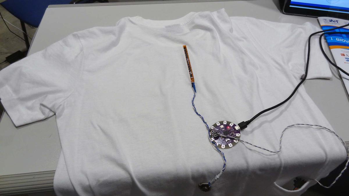 9. StraightPosture: la maglietta che aiuta a prevenire la cifosi