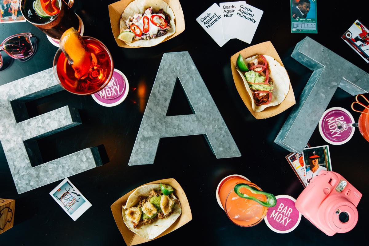 Bar Moxy / Zombie Taco