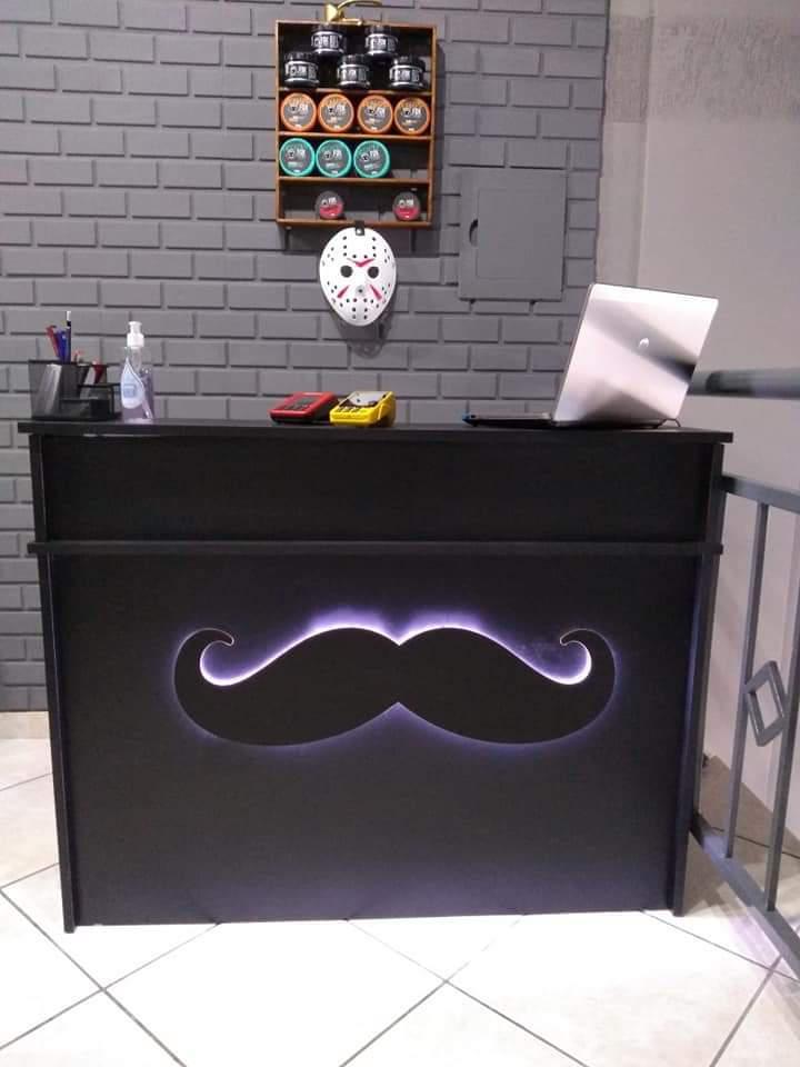 Los Hombres Barber Shop