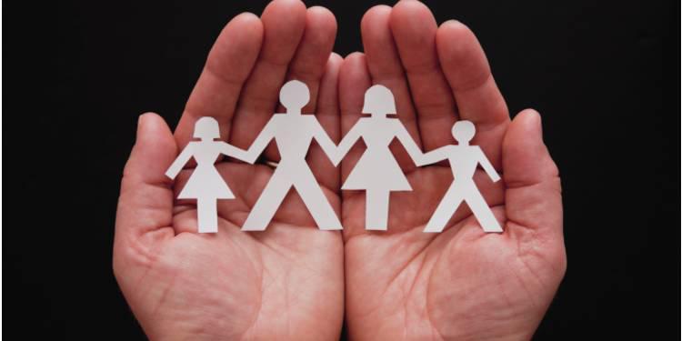 Congés proche aidant et présence parentale : alignement sur le secteur privé