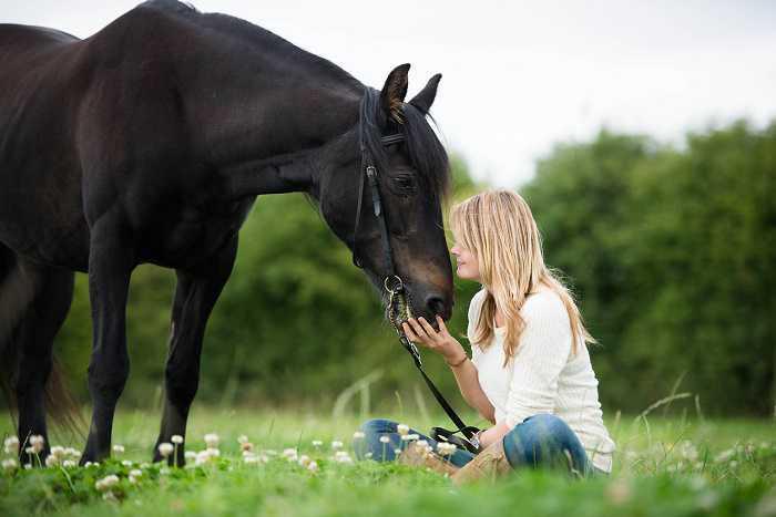 Il rapporto uomo-cavallo: ecco quali sono secondo gli psicologi i vantaggi di una relazione speciale