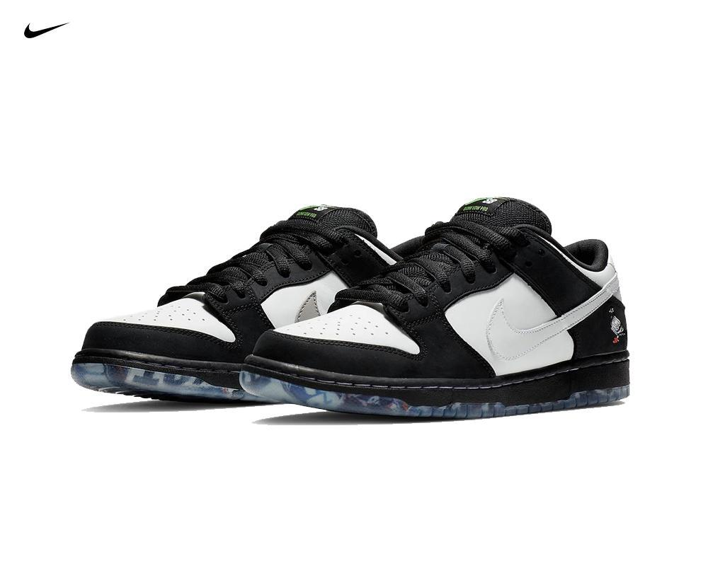 NIKE SB Dunk Low x Staple Panda Pigeon