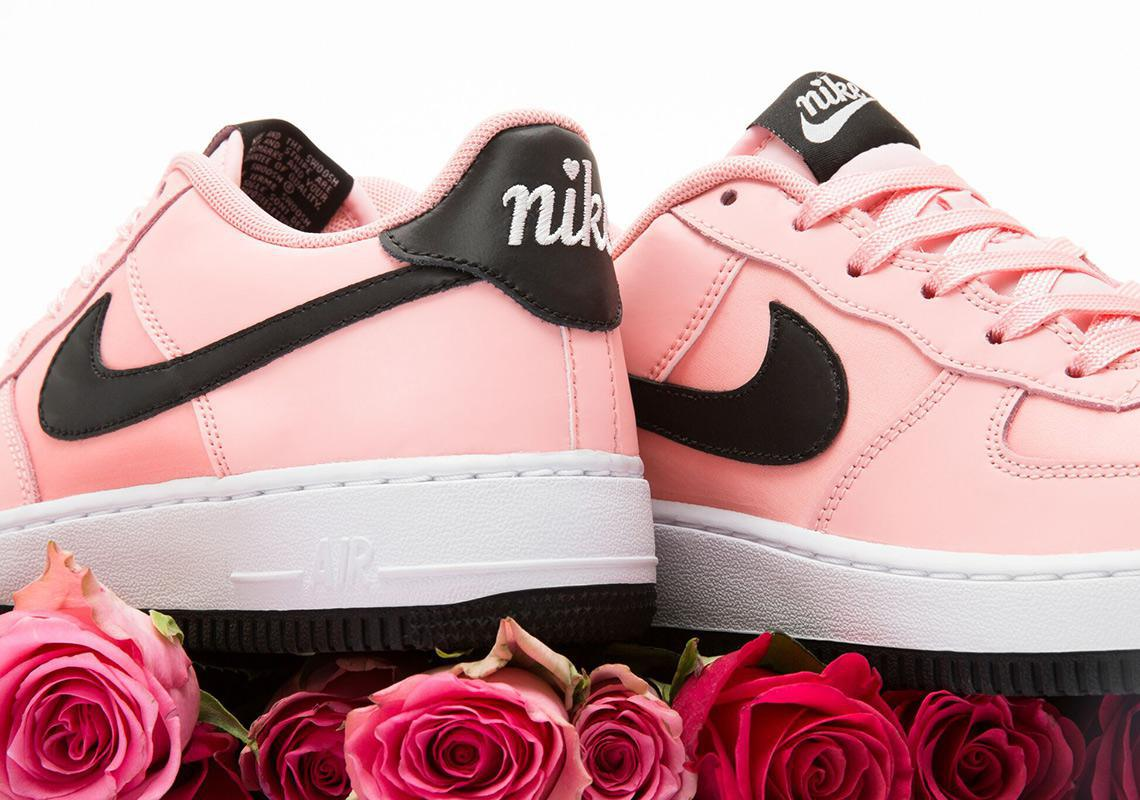 Nike ajoute l'Air Force 1 Valentine's Day Sneakers