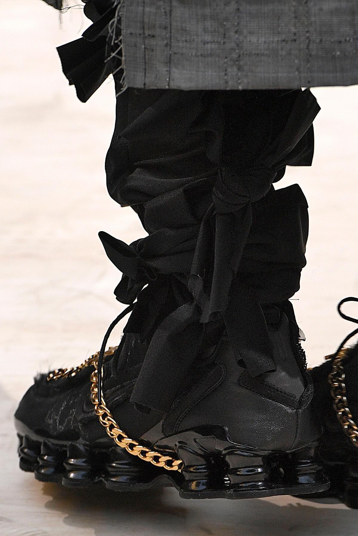 Les COMME des GARÇONS x Nike Shox TL sortent en exclusivité au Japon