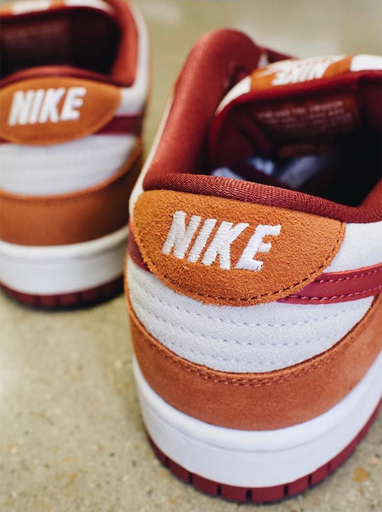 Nike SB Dunk Low SB apparaît dans les tons de roux et de cèdre