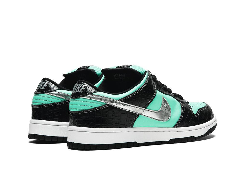 NIKE Dunk SB Low x Diamond Supply Co. Tiffany