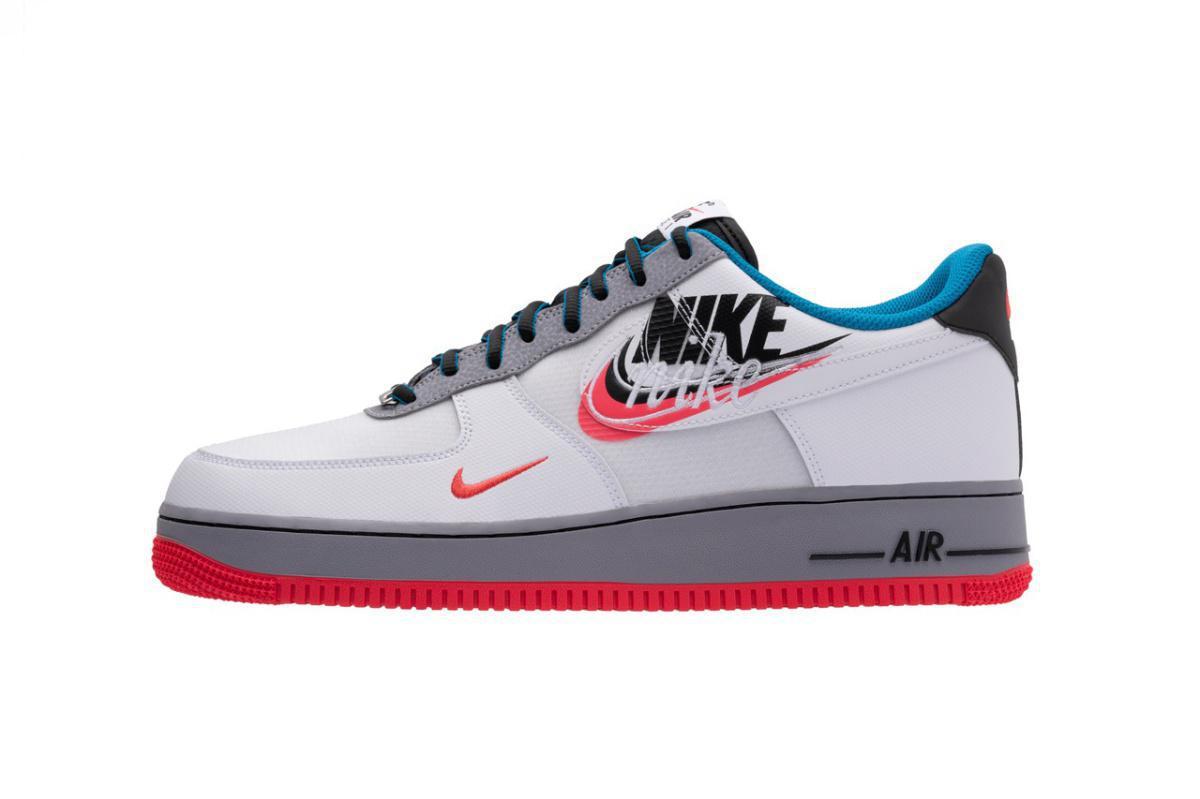 """Nike présente le deuxième lot de baskets """"Evolution of the Swoosh""""."""
