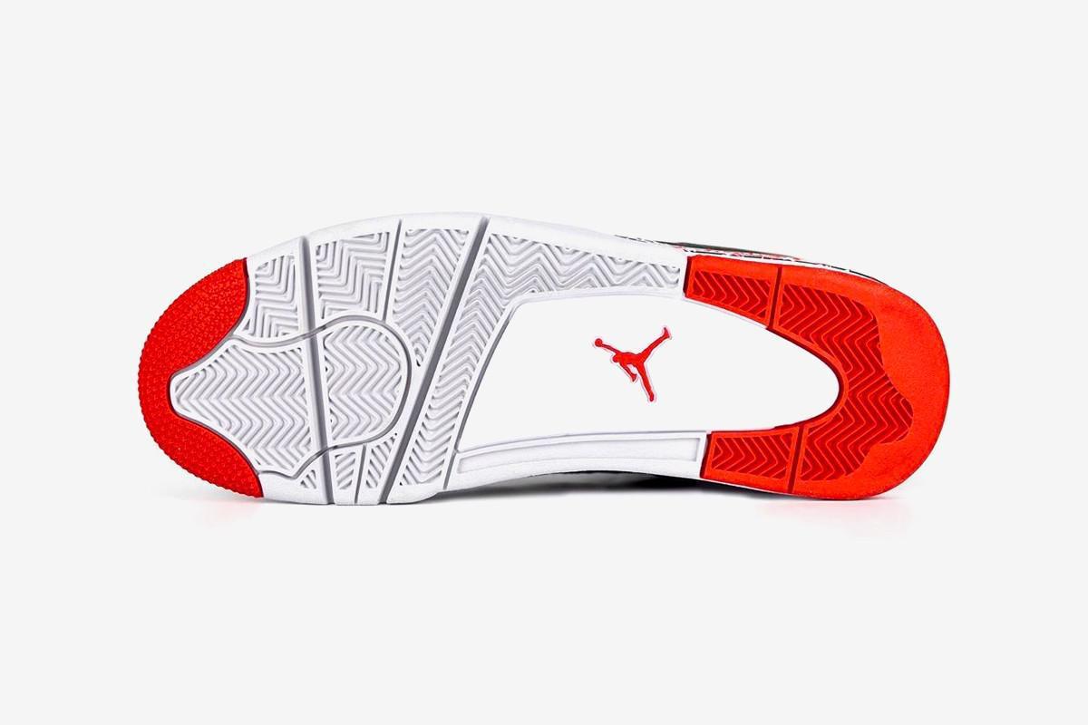 La Air Jordan 4 OVO Splatter de Drake livre tous ses détails