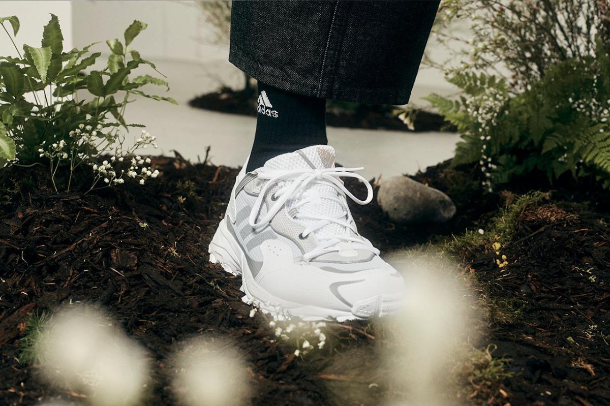 """La collection """"Gardening Club"""" d'adidas Strips est de retour pour une sortie en noir et blanc"""