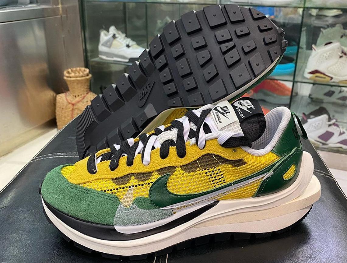 Les trois couleurs de sacai x Nike Vapor Waffle Emerge