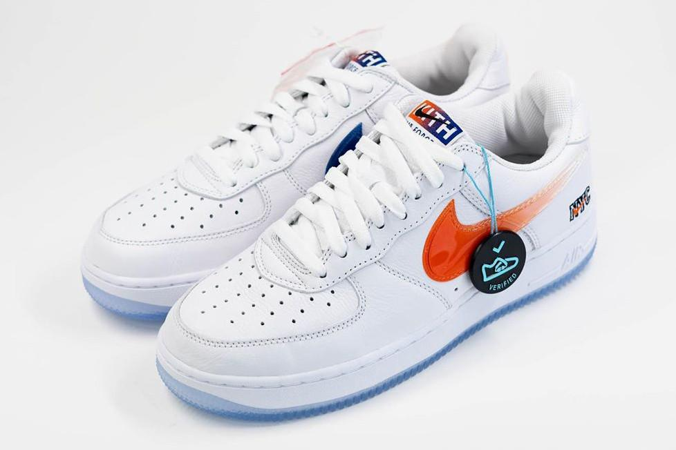 "KITH x Nike Air Force 1 ""NYC"" blanche"
