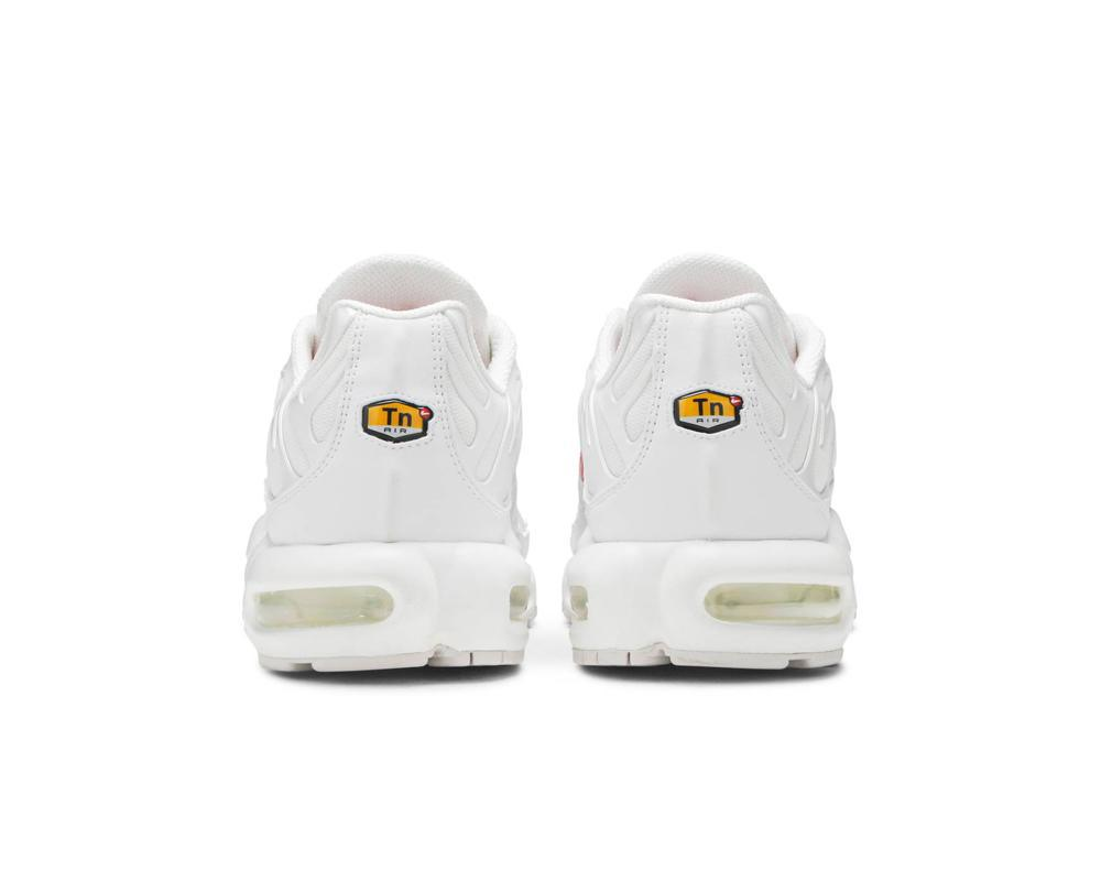 NIKE Air Max Plus x Supreme White