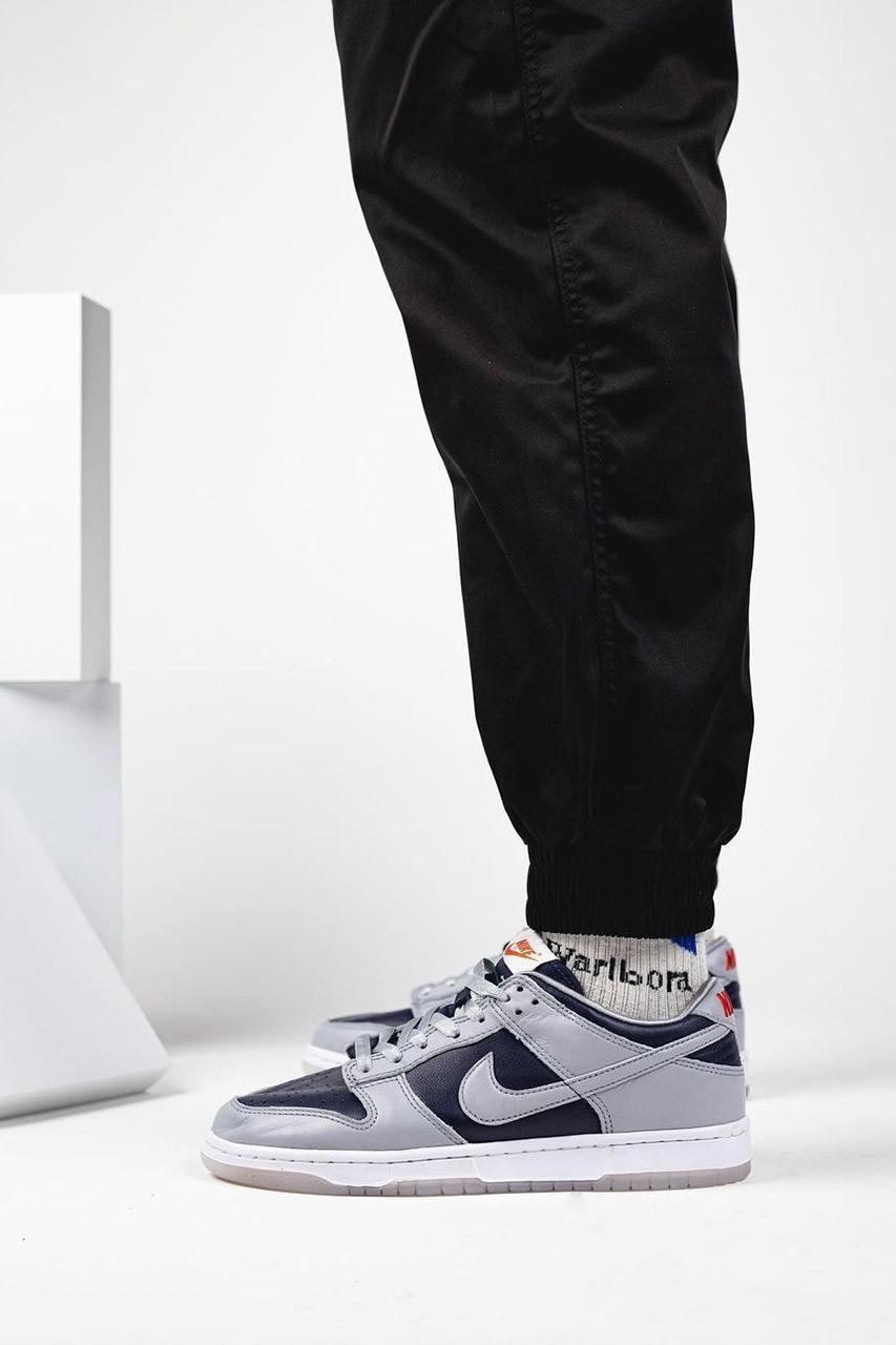Deux. coloris de Nike Dunk Low 2021 font surface