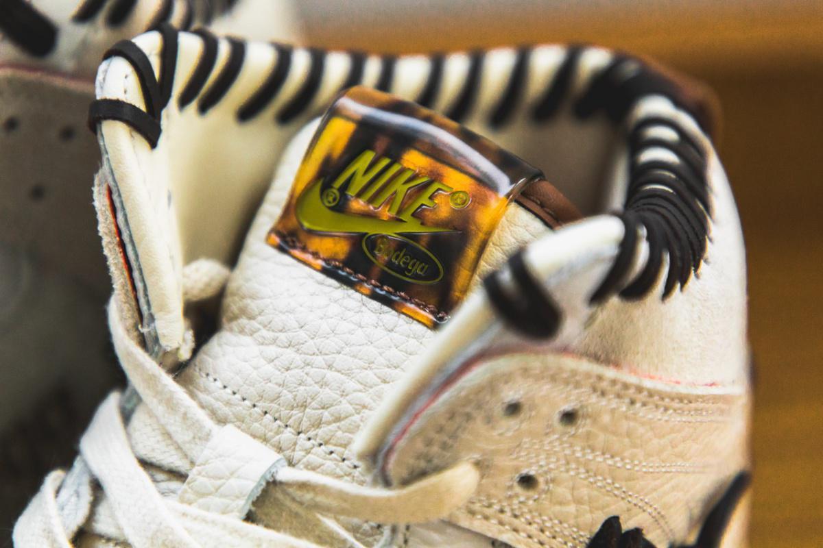 "Bodega x Nike Dunk Hi ""Legend"" Friends and Family"