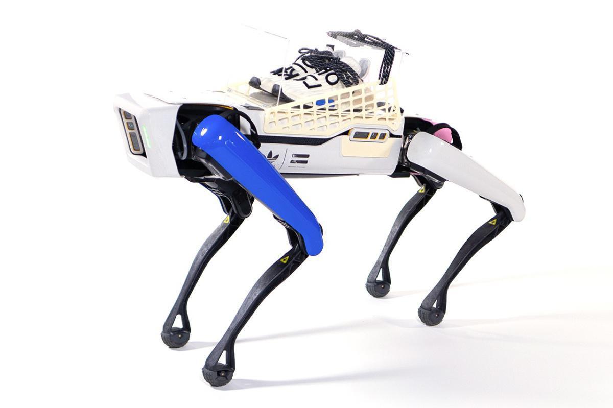 """Pharrell et adidas construisent un robot autonome pour le dévoilement de la """"Cream"""" NMD Hu"""