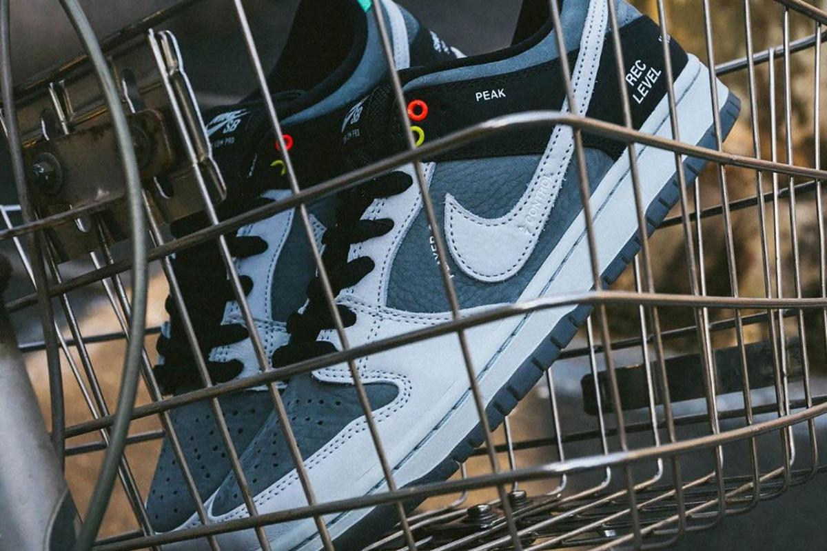 Cette Nike SB Dunk Low est inspirée par le caméscope VX1000 de Sony
