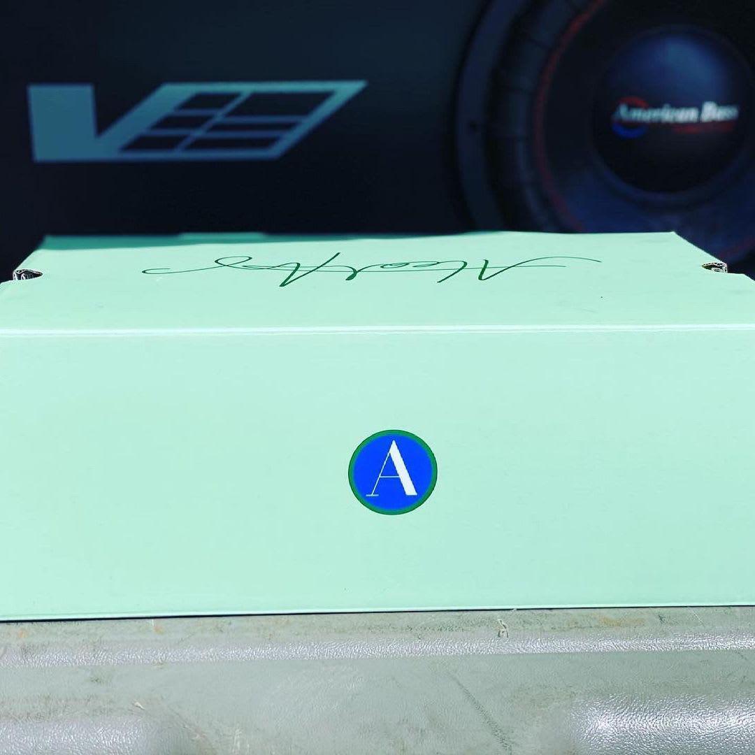 La collaboration Air Jordan 14 d'Aleali May a une date de sortie officielle.