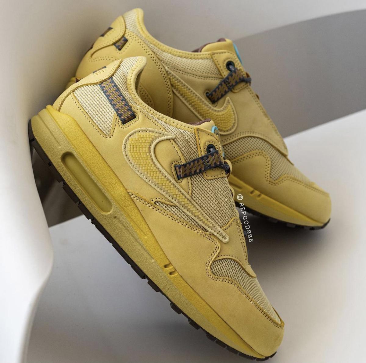 "Travis Scott x Nike Air Max 1 ""Wheat""."