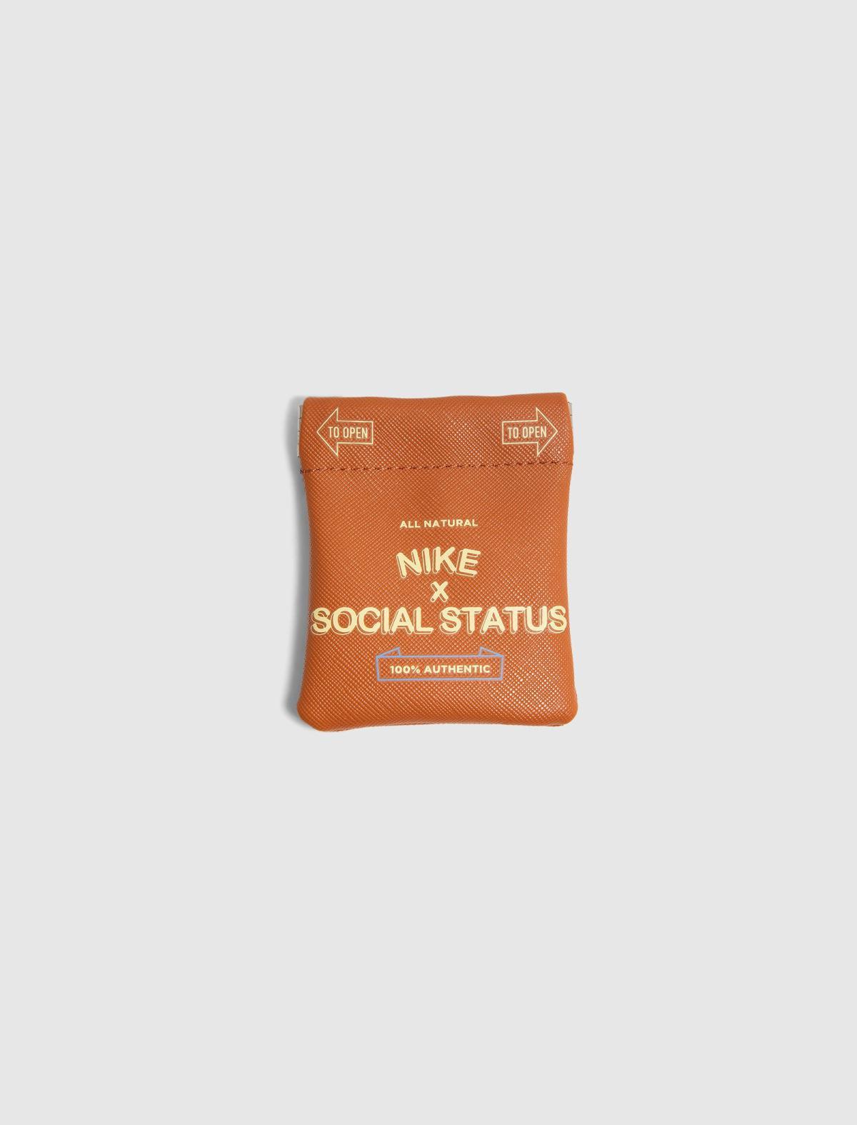 "Social Status x Nike ""Free Lunch"" Dunks"