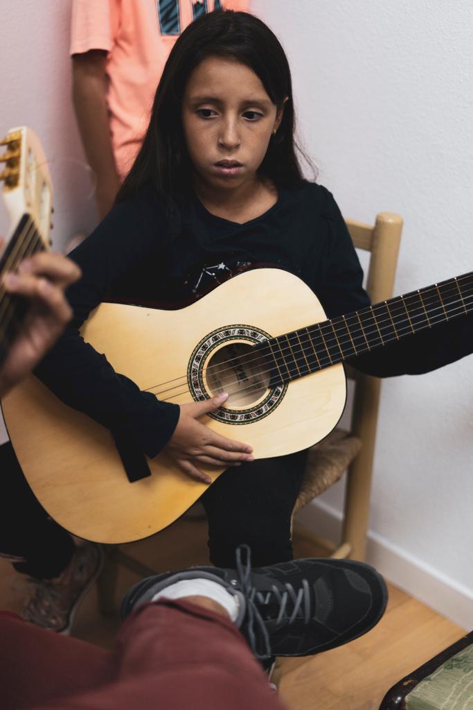 Clases de Guitarra, Flauta dulce, Canto