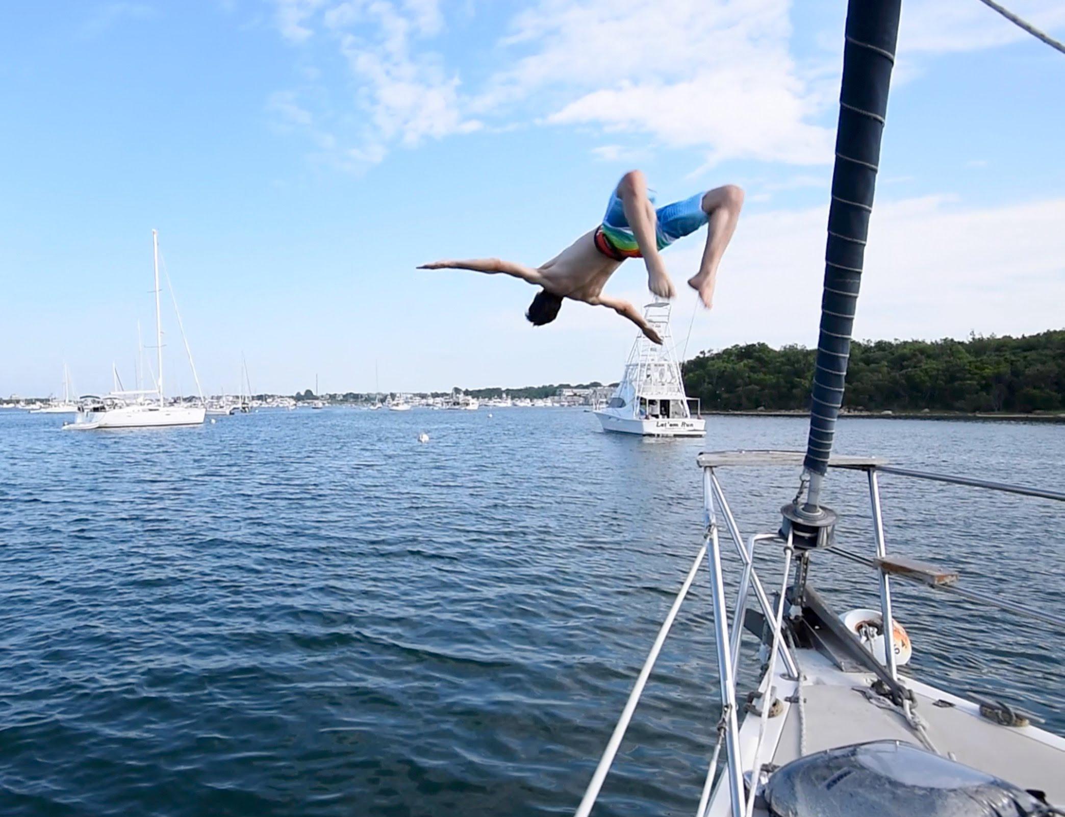 JumpingOffBoat