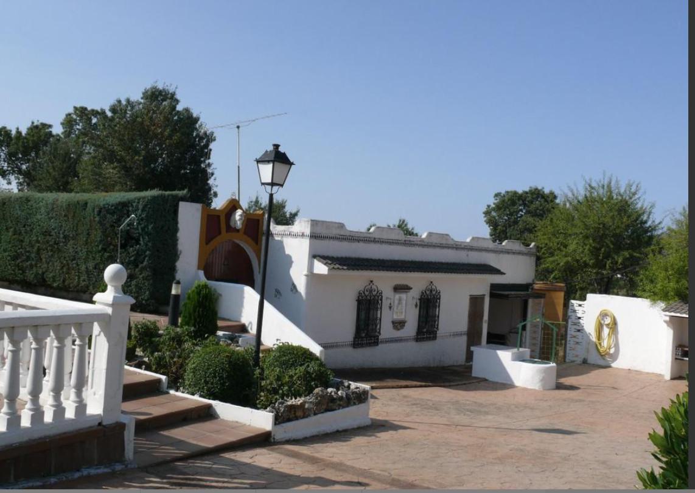 Venda de Chalet - Caballeriza en Pedrezuela Comunidad de Madrid.