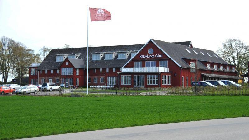 Välkommen på sommaravslutning på Råbylunds Gård!