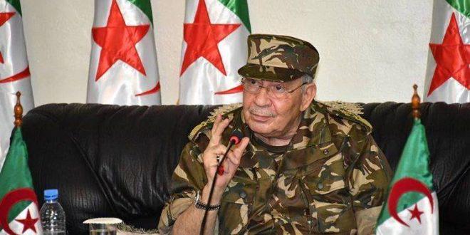 """قائد الجيش الجزائري يدعو إلى حلول للأزمة السياسية """"في أقرب وقت"""""""