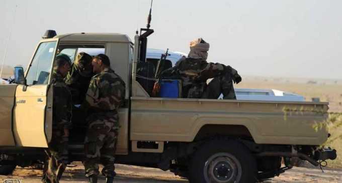 الجيش الموريتاني يدمر آليات محملة بأزيد من ثلاثة أطنان من المخدرات لمهربين على صلة بمنظمات متطرفة تنشط في منطقة الساحل (بيان)