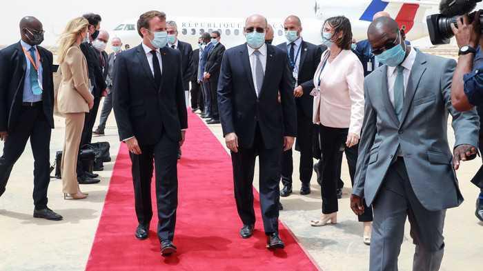 إيمانويل ماكرون يستقبل الرئيس الموريتاني للتباحث حول سبل مكافحة الإرهاب في منطقة الساحل