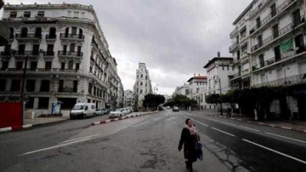 الاتحاد الاشتراكي : قيادة الجزائر تتسلى بالعلاقات العامة بينما البلاد تتوغل في الأزمة