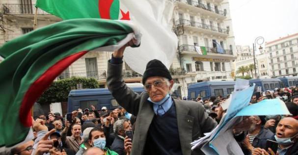 """الجزائر.. الانتخابات المبكرة """"لا تحقق التغيير المأمول"""" (ائتلاف)"""